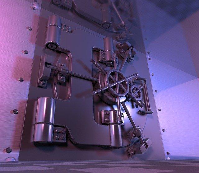 dveře trezoru v bance