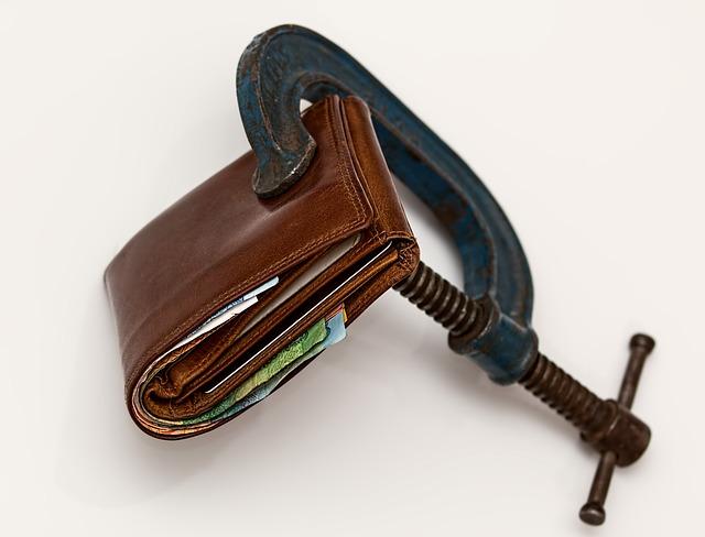 sevřená peněženka